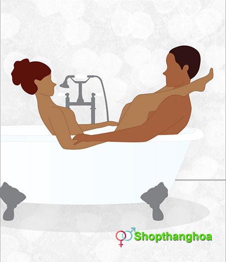 quan hệ trong bồn tắm